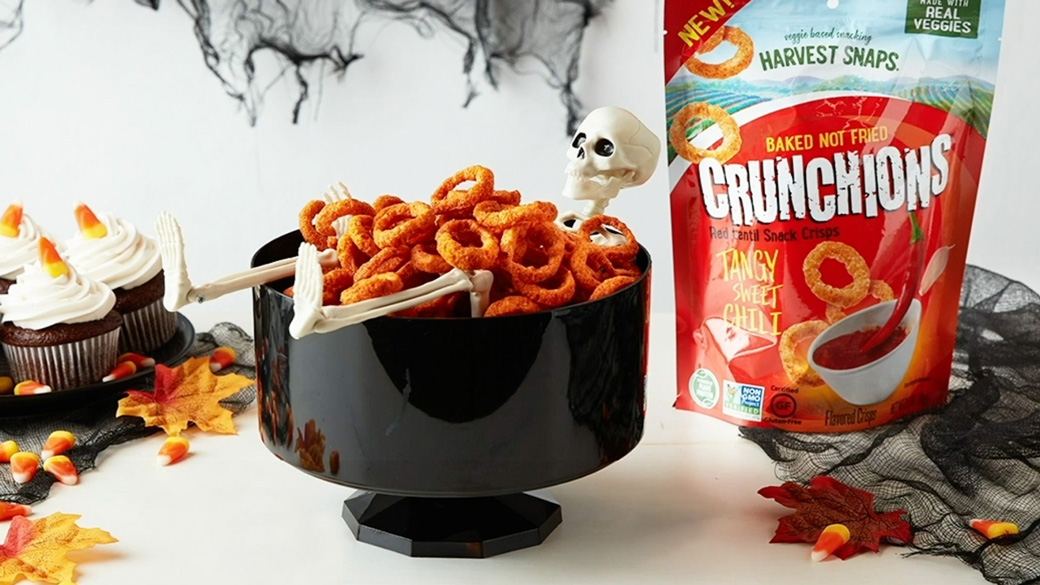10 Halloween Snacks and Drinks For a Scary-Good Party